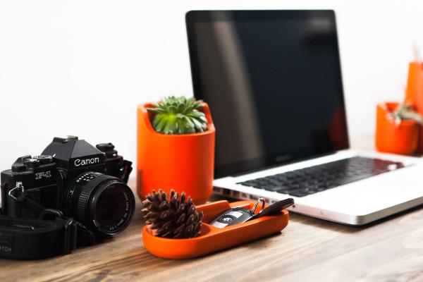 BASE-Object-Desk-Accessories-8-600x400
