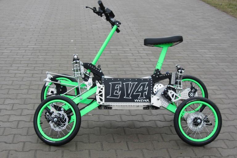 ev4-tilting-electric-scooter-3