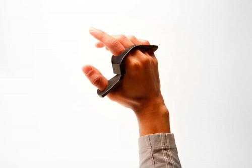 tap-strap-wearable-bluetooth-keyboard-1
