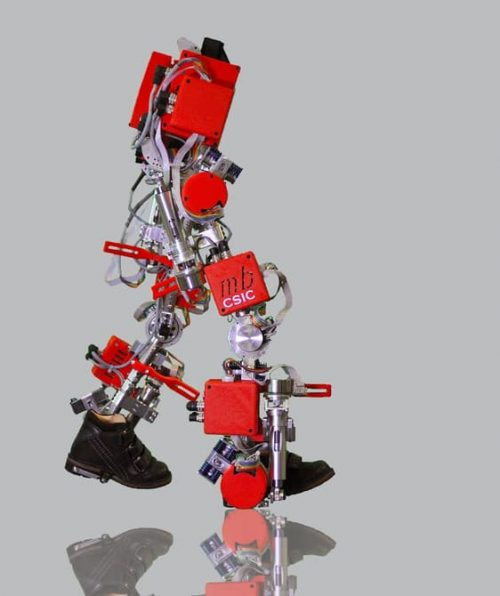 csic-children-exoskeleton-1