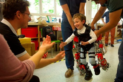 csic-children-exoskeleton-2