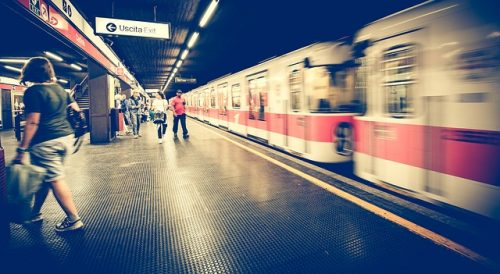 metro-1807913_640