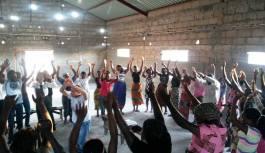 Encontro de adolescentes em Moçambique