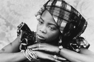 Grande rétrospective, en hommage au photographe malien SEYDOU KEITA, l'un des meilleurs portraitistes du XXe siècle