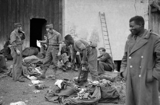 VIDÉO – «Le blanchiment des troupes coloniales» : un hommage vibrant aux tirailleurs noirs