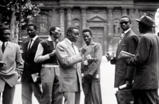 Etudiants au Quartier latin devant la Sorbonne, après-guerre. DR