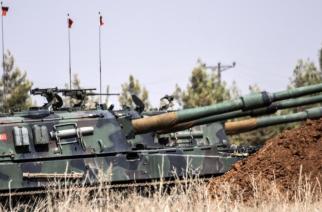 Un char de l'armée turque à la frontière avec la Syrie, samedi 3 septembre 2016.  (BULENT KILIC / AFP)