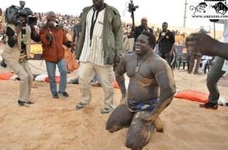 VIDÉO – Sénégal : la légende de la lutte Yékini met un terme à sa carrière