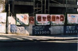 """Graciela Sacco, """"Bocanada"""", 1993-1994, affiches dans les rues de Rosario, Argentine © Graciela Sacco"""