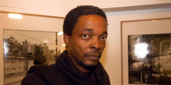 Simon Njami, commissaire de l'exposition - Metropolis Afrique Capitales. © DR