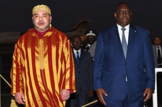 Bizarreries- Le Roi Mohamed VI prolonge son séjour au Sénégal et prévoit de prier à la Grande Mosquée de Dakar ce vendredi…Le Pr Macky Sall quitte Dakar pour les USA…