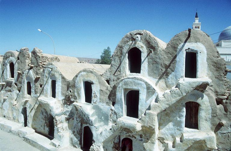 Edifices en argile, ou ksour, en Tunisie, près de Tataouine. CRÉDITS - FETHI BELAID-AFP