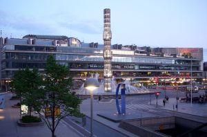 Unga Klara finns i Kulturhuset vid Sergels torg, Stockholm
