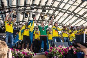 U 21-landslaget i fotboll samarbetade sig fram till EM-guld 2015. Flera olika kulturer fanns i laget.