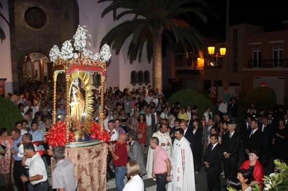 Foto Procesión Virgen de Montserrat