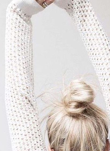 A NEW DOSE OF MESSY BUN HAIR INSPIRATION