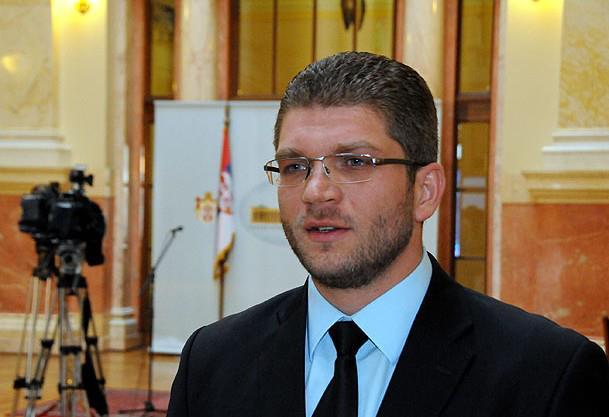 Emir elfic, narodni poslanik