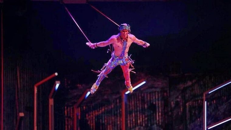 yann_cirque.jpg_1572130063