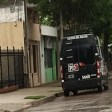 Allanamientos en Las Rosas y Armstrong por estafa inmobiliaria