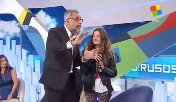 De San Genaro a Intrusos: el video de la panelista que sorprendió a Rial
