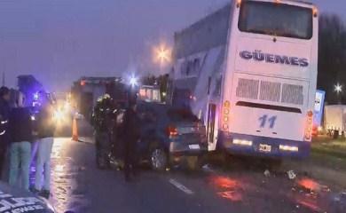 Accidente fatal sobre ruta 34: Un automovil impactó con un ómnibus de la Empresa Güemes