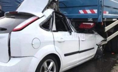 Dos muertos al chocar un auto y un camión en autopista Rosario – Buenos Aires