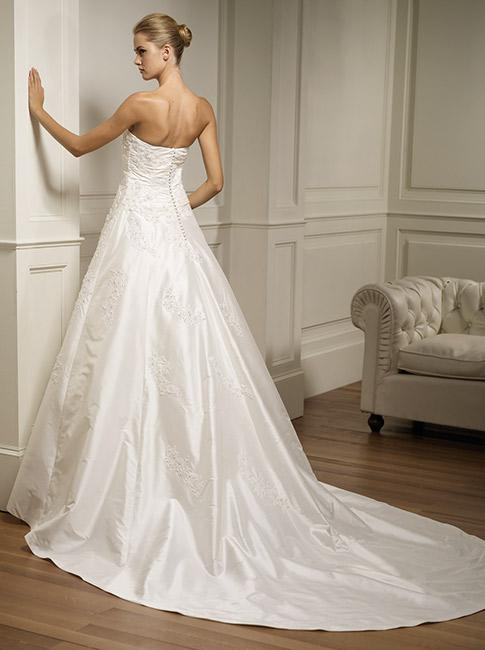Very cheap wedding gowns sangmaestro for Very cheap wedding dress