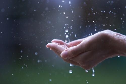 梅雨時はこんな症状にご注意ください