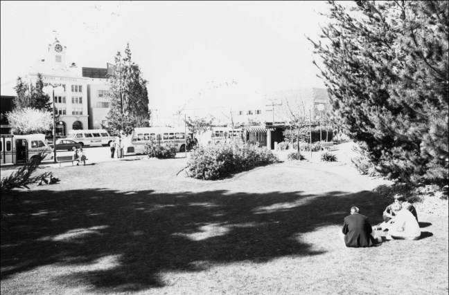 East side of Courthouse Square in 1977. Image: Sonoma County Library