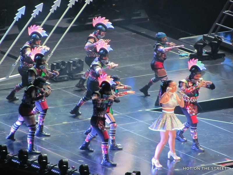 Hot On The Street - Katy Perry - Prismatic World Tour - 1