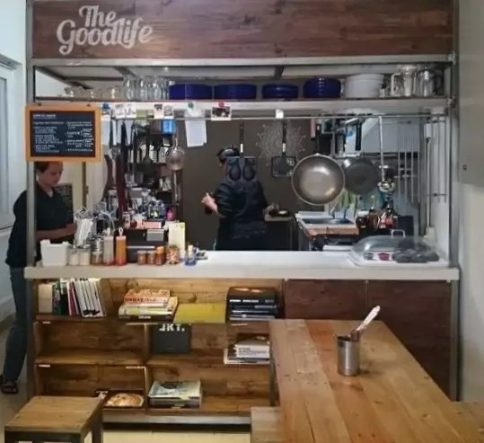 The Good Life: Warung Makan yang Harus Dikunjungi di Bandung