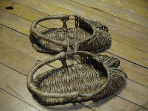 Korean straw shoes