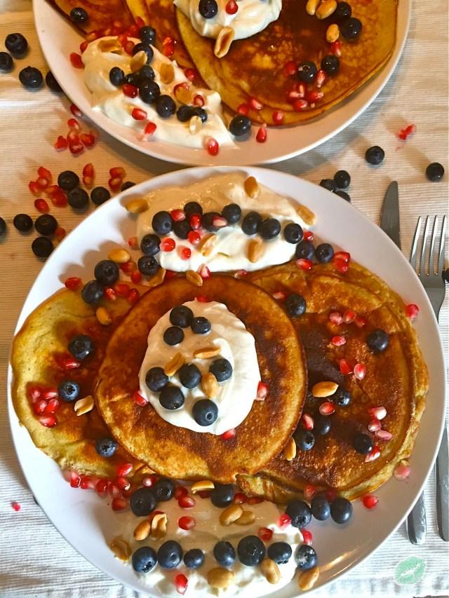 Heidelbeer-Erdnuss-Pancake