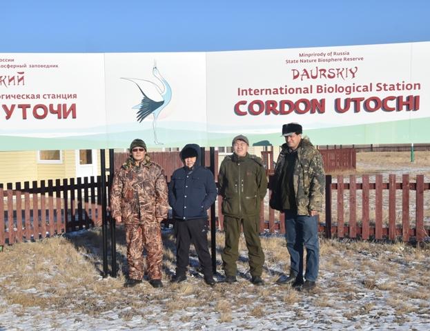 На кордоне «Уточи». Слева направо: Бадмаев В.Э., Лиджиев В.М., Убушаев Б.И., Кирилюк В.Е.