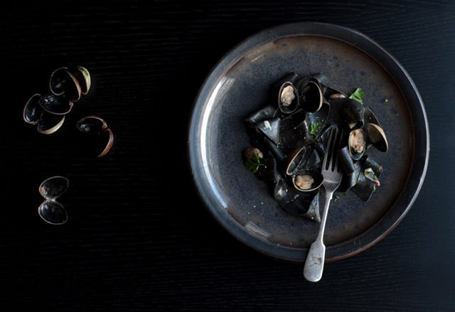 squid_ink_pasta_with_clams__white_wine_main