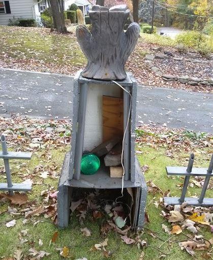 diy halloween graveyard spooky cheap easy. Black Bedroom Furniture Sets. Home Design Ideas