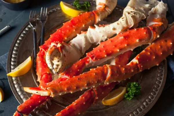 Tips for buying, cooking, and cracking king or snow crab