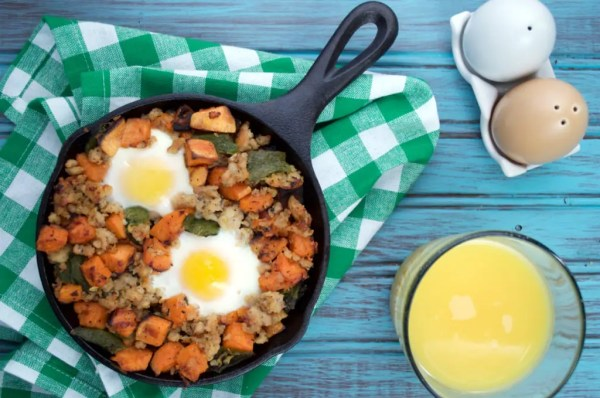 A hearty low-carb skillet breakfast that is easy to prepare.