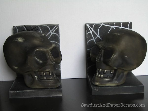 skull bookends 3