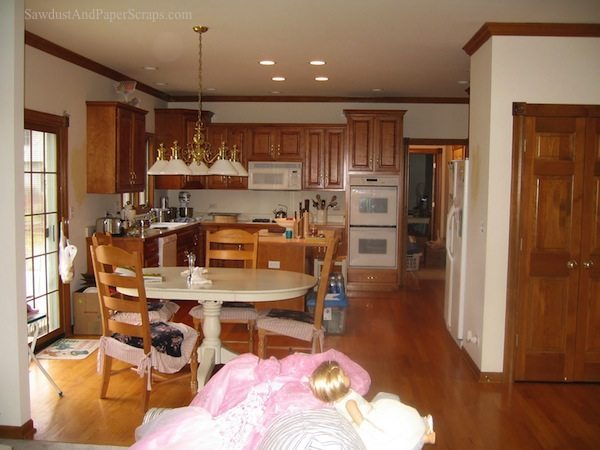 IL Kitchen Before