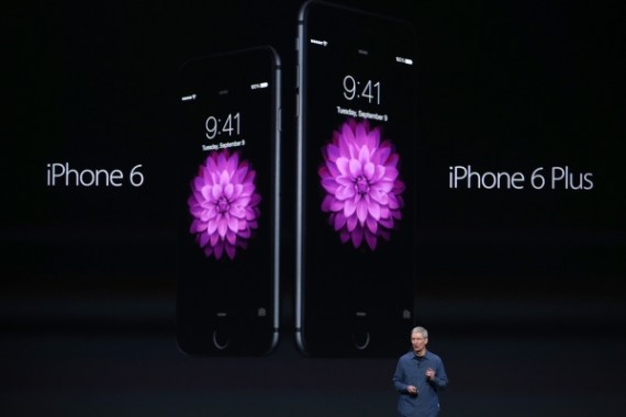 iPhone 6 and iPhone 6 Plus big screen (Justin Sullivan/Getty Images)