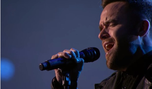 BRIAN JUSTIN CRUM STUNS THE AUDIENCE WITH HIS VERSIONOF 'CREEP' - 2