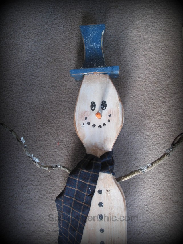 2x4 projects, 2x4 snowman tutorial, snowman out of 2x4, 2x4 wooden snowman, how to make a wooden snowman, 2x4 crafts, wood scrap snowman