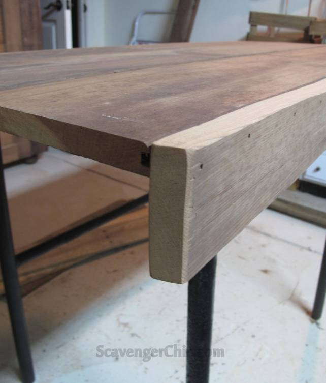 Plank desk diy, iron frame salvaged from a dump