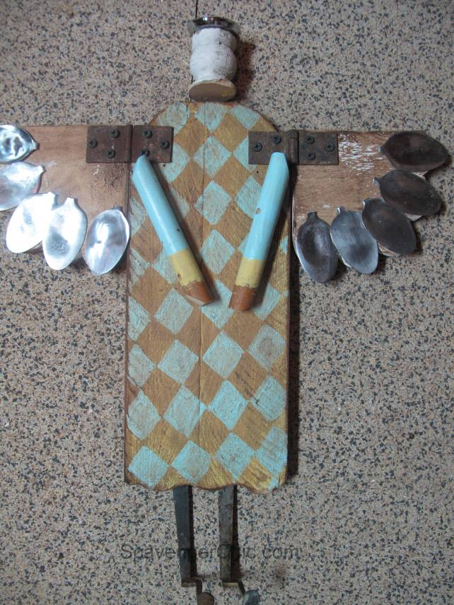 Primitive folkart Angel