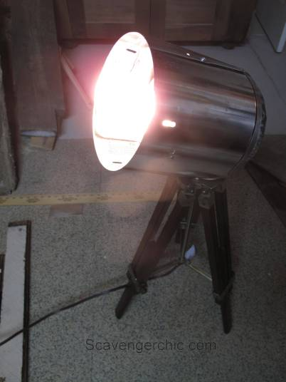 Tripod Spotlight Lamp diy-005