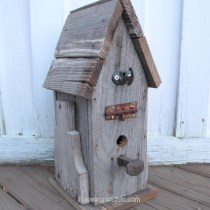 Pallet Wood birdhouse