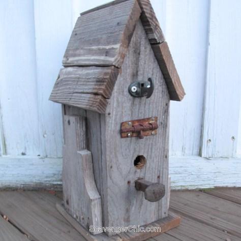 Junky Pallet Wood Birdhouse diy