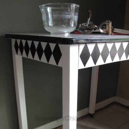 Vintage Black and White Enamel Table Makeover-009