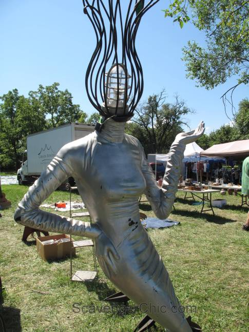 Route 11 Yard Crawl 2016-mannequin light head